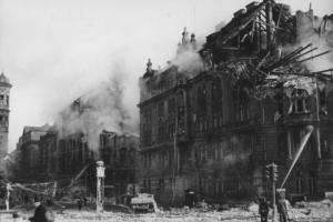 bombardovani-prahy-1945-07b_fA-75-16__1486395978804__w1500